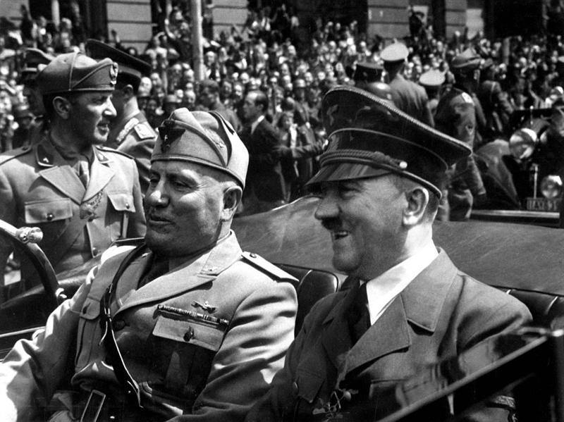 هتلر في الحرب العالمية الثانية