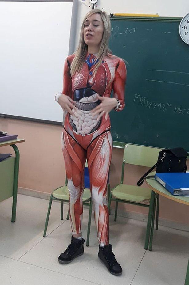 معلمة إسبانية