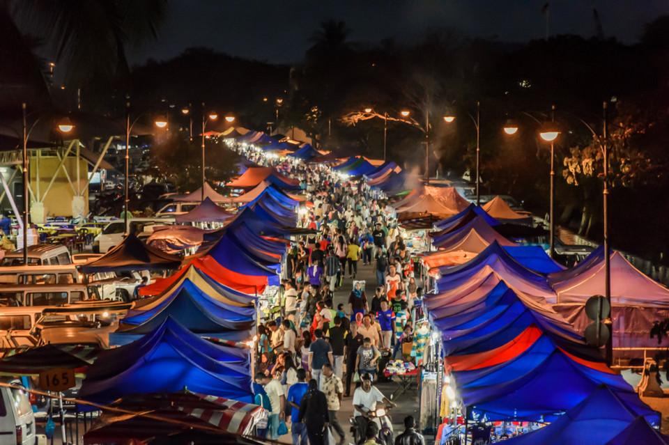 سوق لنكاوي الليلي