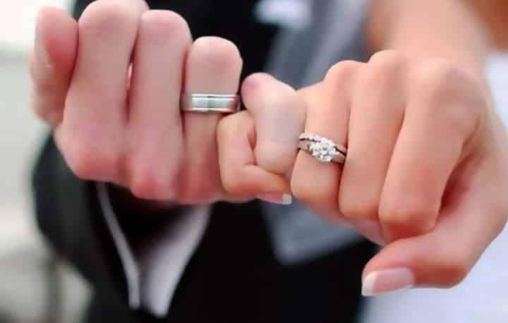 لبس خاتم ذهب في المنام للعزباء