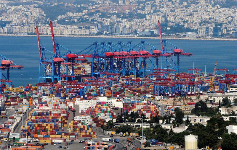 الفرق بين المرفأ والميناء